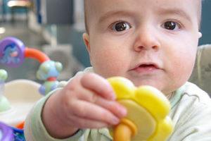 Un bébé au Relais assistantes maternelles