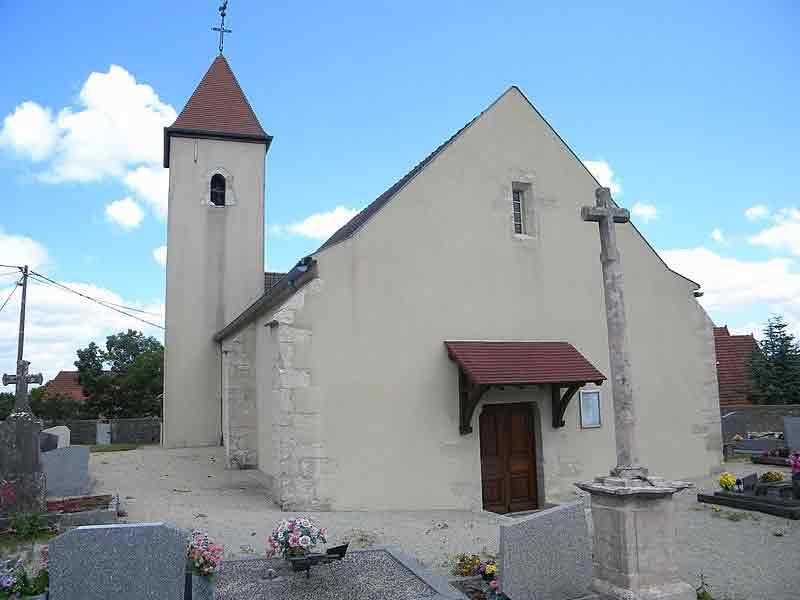 Eglise à Bessey en Chaume