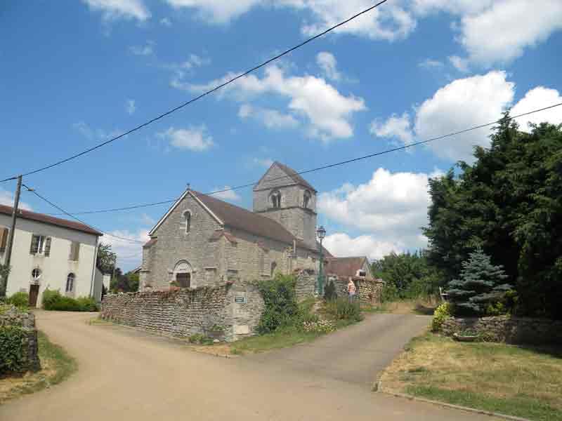 Eglise à Bessey la Cour