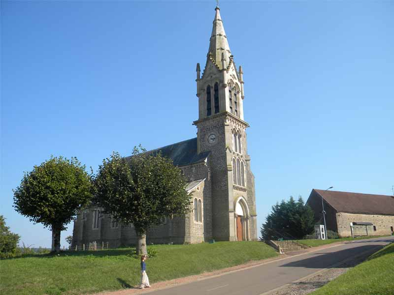 Eglise à Chazilly