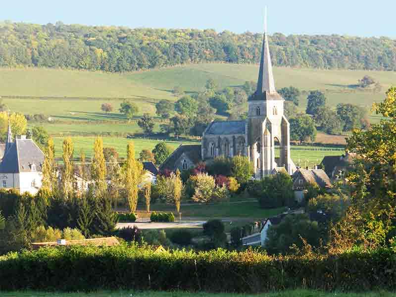 Château et Eglise à Sainte Sabine