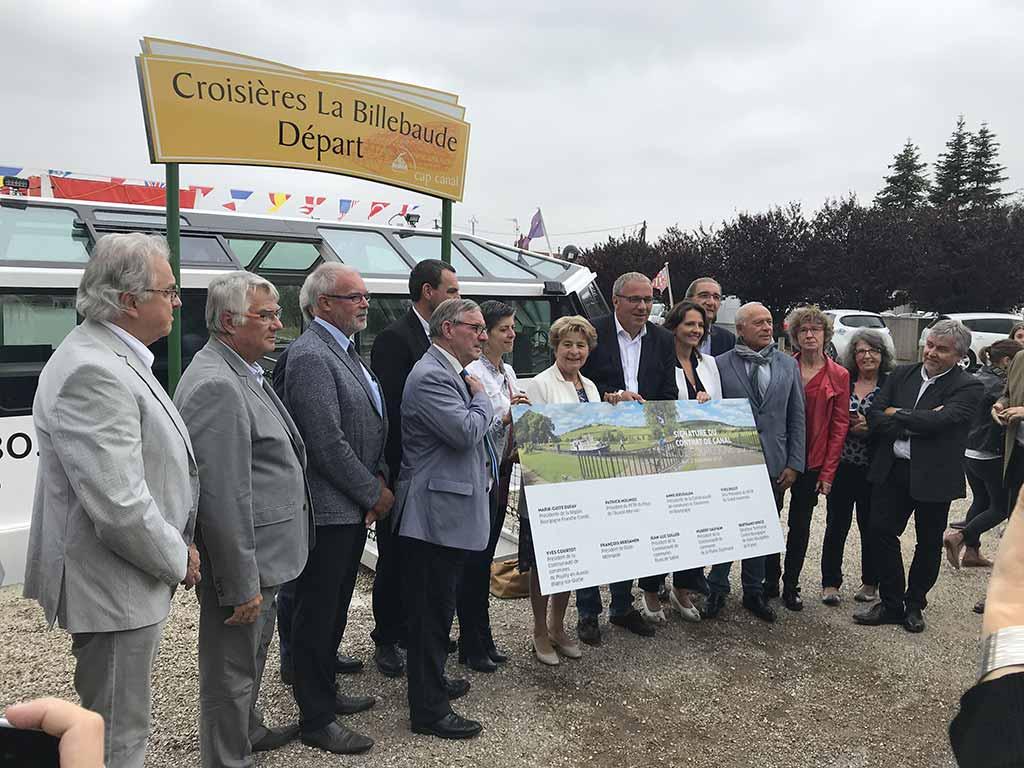 Elus à la signature du contrat de canal de Bourgogne en septembre 2018
