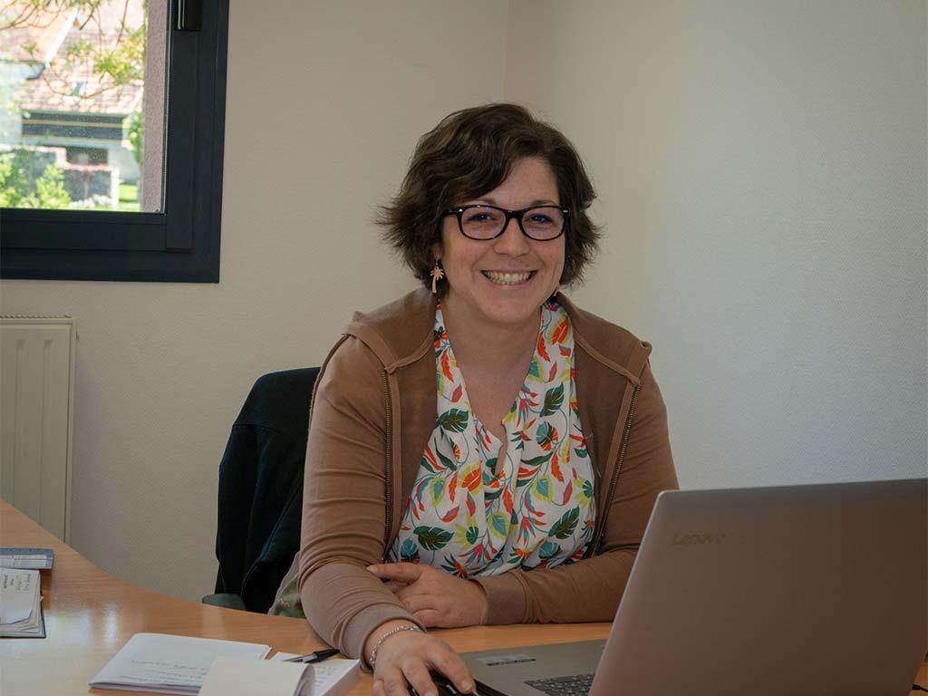 Marion, agent d'accueil à la Maison de services au public à Bligny sur Ouche