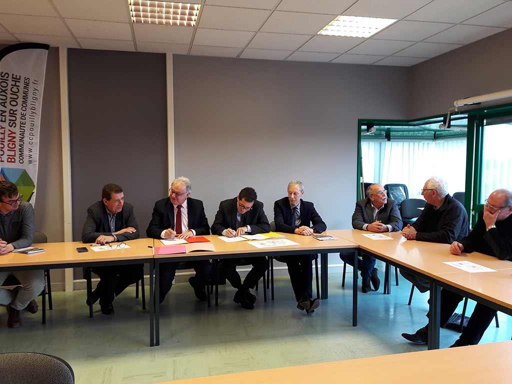 Les président et la DGFIP signent laSignature charte réseau proximité finances publiques