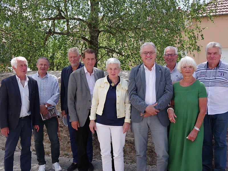 Commission exécutive composée du président et des huit vice-présidents