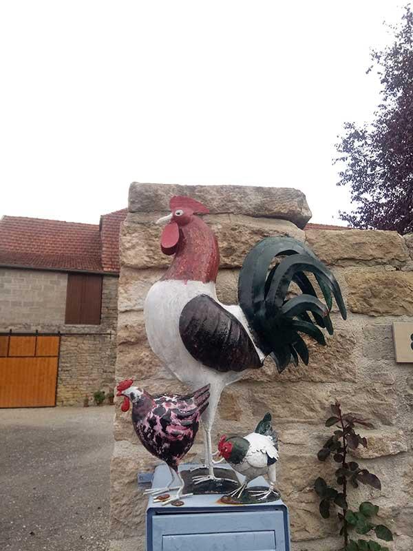 Statue de coq à Bellenot sous Pouilly