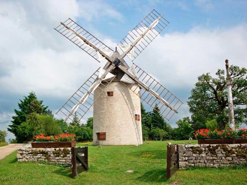 Moulin à vent de Montceau-Echarnant