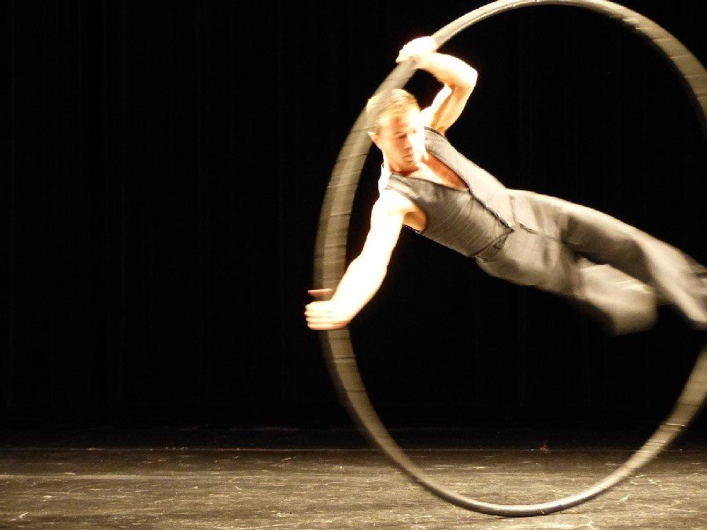 Affiche du Cabaret cirque de la Compagnie Manie